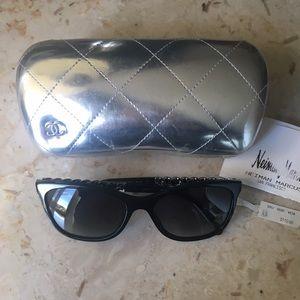CHANEL Accessories - CHANEL CC Chain Polarized Sunglasses 5260-Q